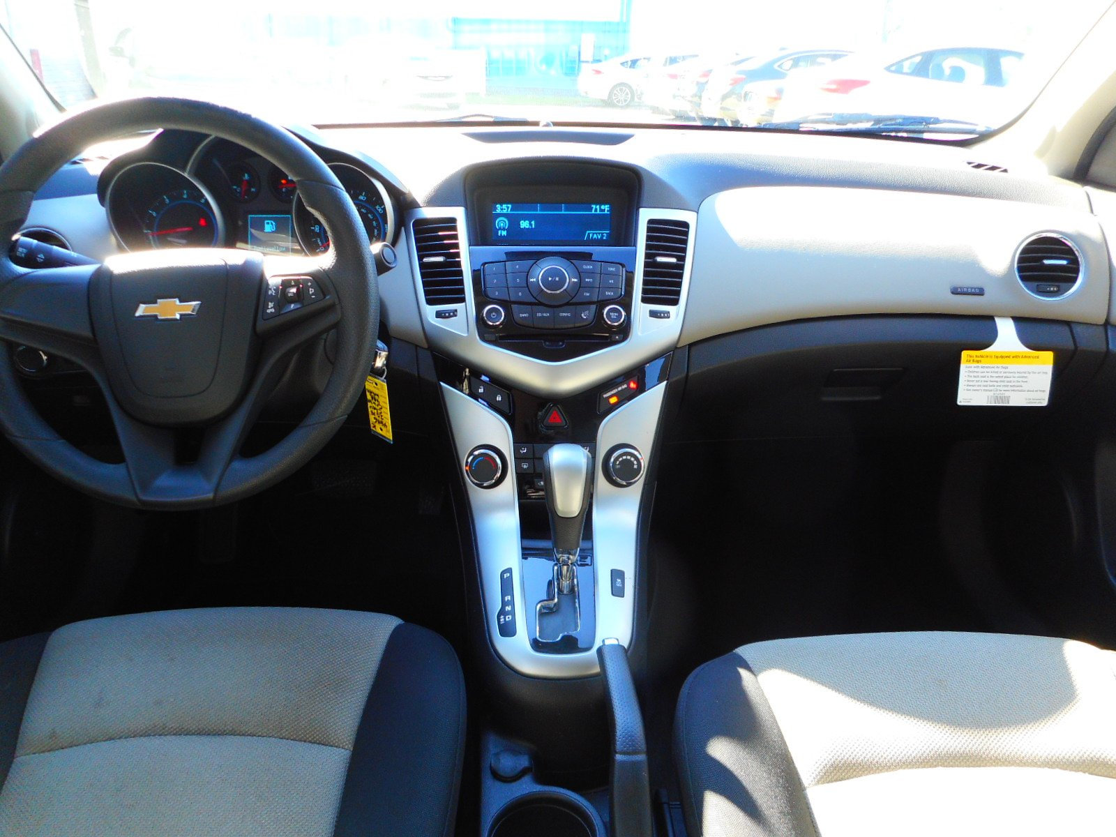 Chevrolet Cruze Owners Manual: Center Console Storage